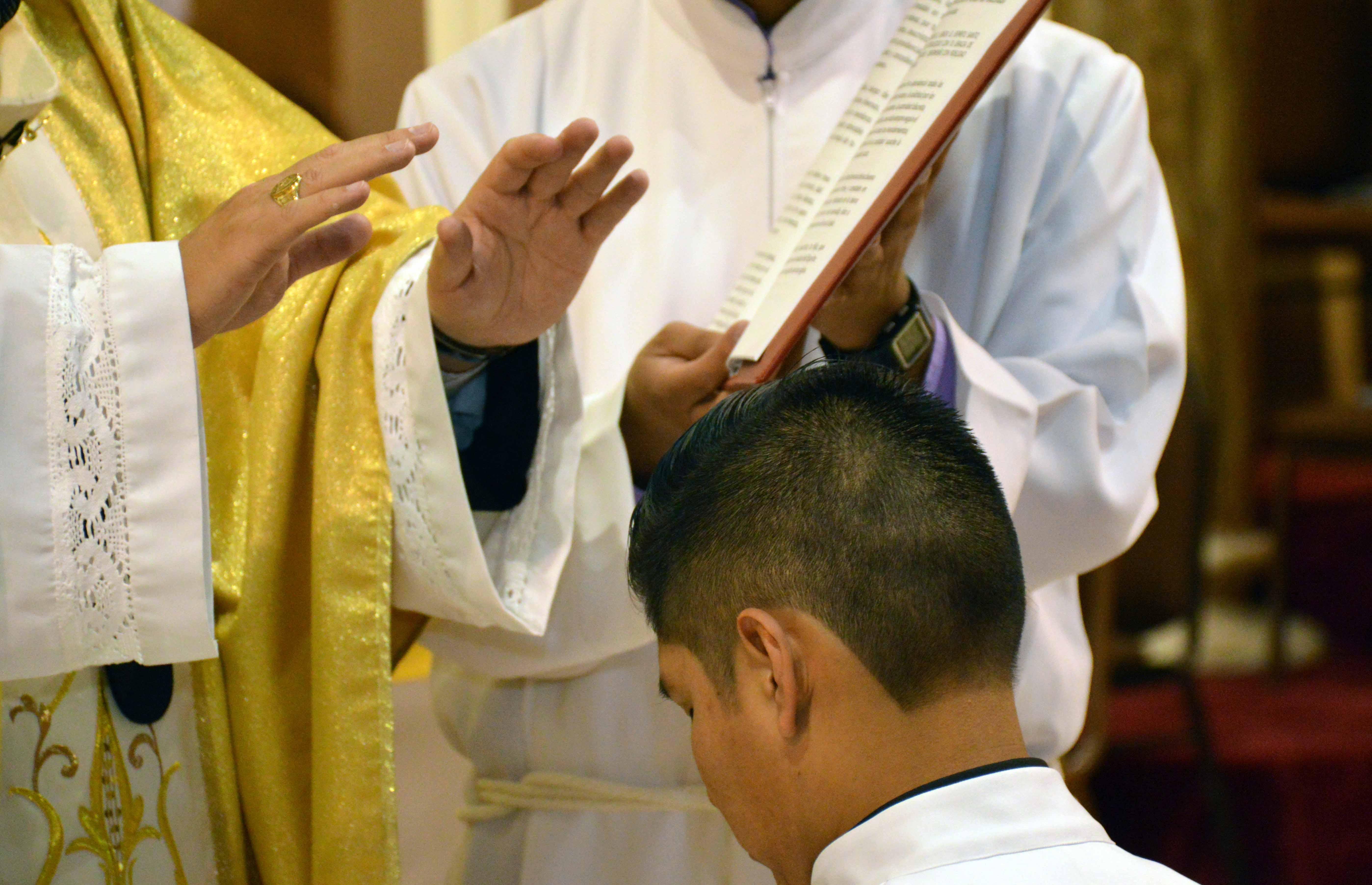 Ordenación Diaconal de Salvador Quituisaca